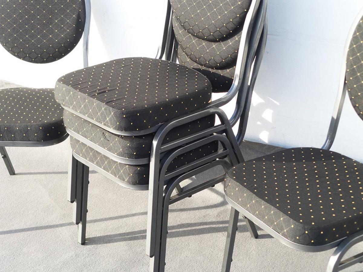 gepolsterter stuhl mieten in berlin f r ihre party gepolsterter stuhl im verleih. Black Bedroom Furniture Sets. Home Design Ideas